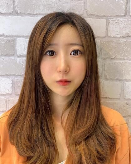 KOREAN SENIOR STYLIST