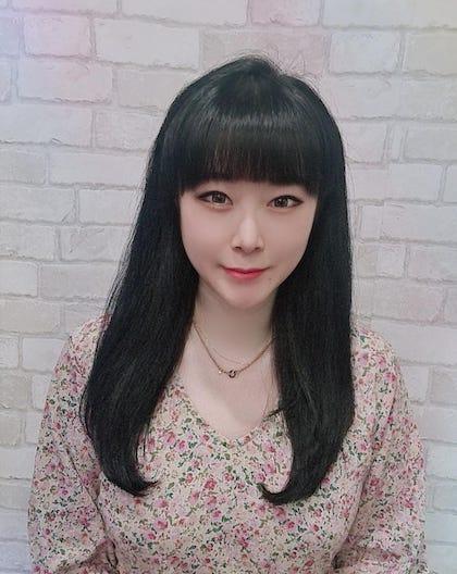 Korean hair stylist